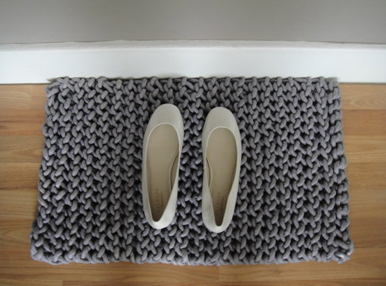 They Knit a Doormat With Rope