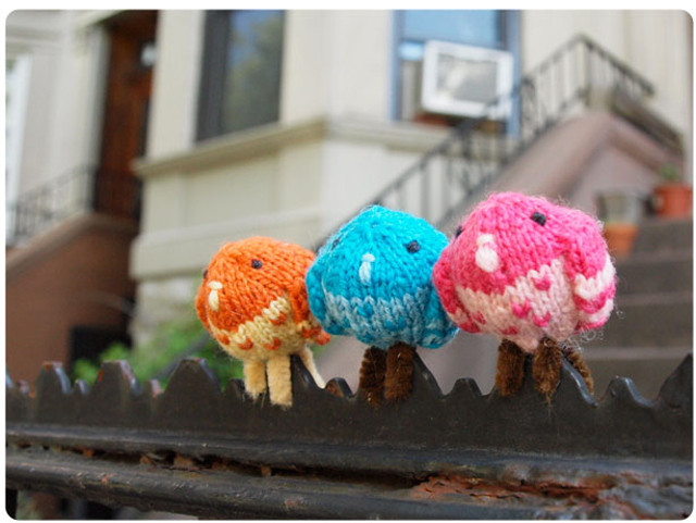 :: A post about knit and crochet pigeons would not be complete without MochiMochi Land! Get the free pattern for her ::