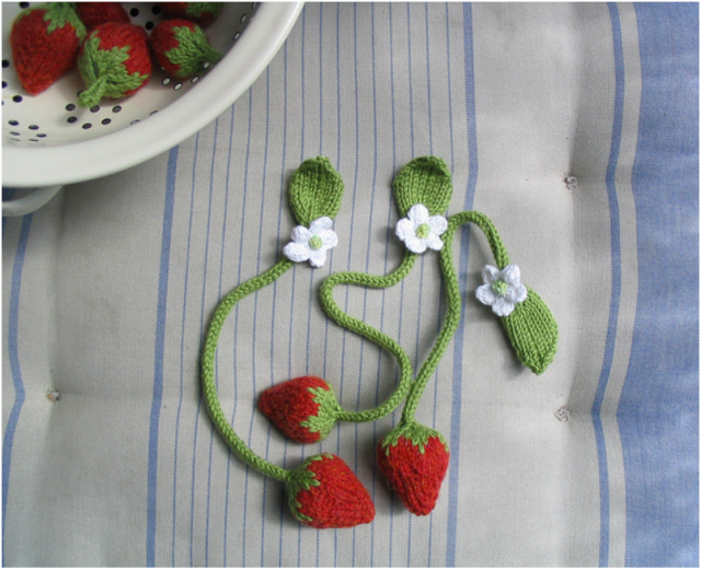 Sweet Knitted Strawberry Bookmarks – Great Gift Idea!