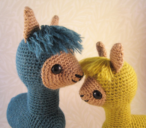 Think You Can Resist This Adorable Amigurumi Alpaca Family? Get the Pattern!