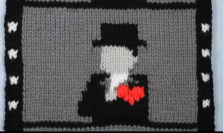 """Film Muffler"" – knitted silent film and stop motion love story."
