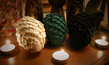 Crochet a Game of Thrones Dragon Egg – FREE pattern and tutorial