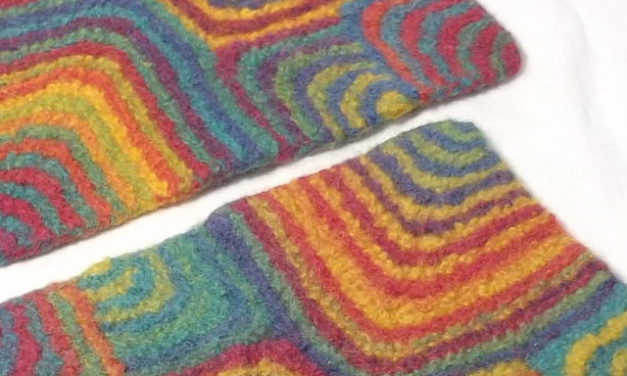 Fun & Funky Felted Placemats – get the pattern!