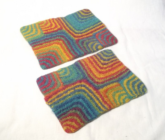 Fun & Funky Felted Placemats - get the pattern!