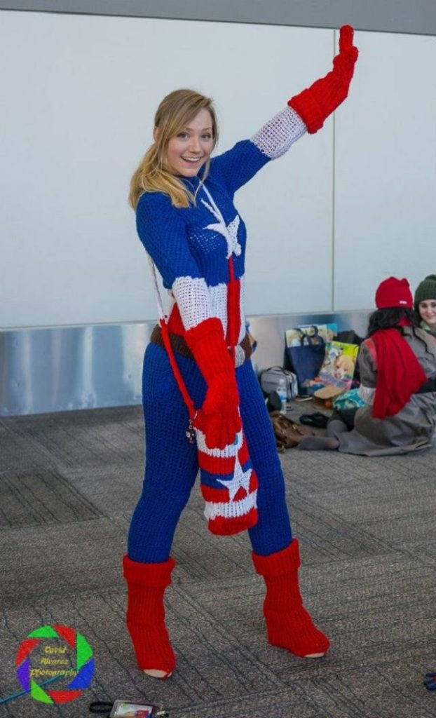 this-captain-america-cosplay-is-fully-knitted-and-wholly-fantastic-fangirl-physics-332749