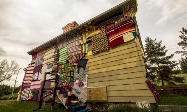 Yarn Bombing Project Helps Homeless in Calgary