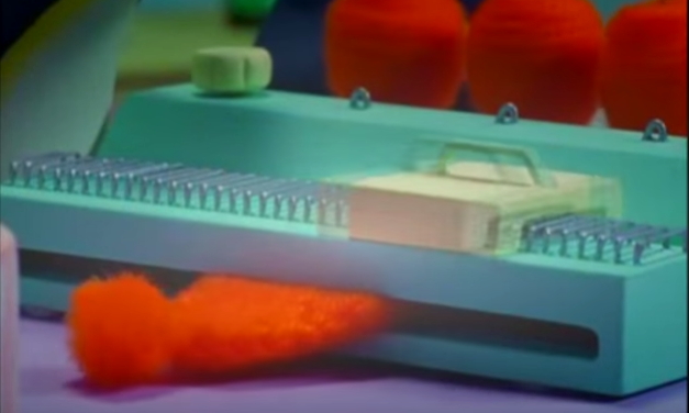 Pingu and the (fantastic) Knitting Machine