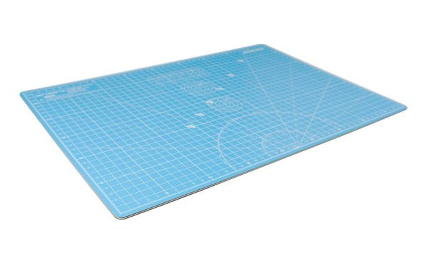 Review: MyCrafts: Self Healing Cutting Mat