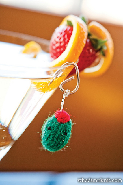 Cocktail Teenies - Pickle the Martini Olive by Whodunnknit
