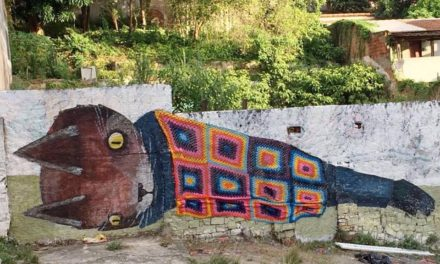 Awesome Street Art Collaboration By Thiago Goms & Anne Galante – It's a Kitty Mural Draped in a Granny Square Blanket!