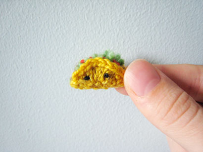 6 Times Taco Tuesday Touched Greatness Through Knit & Crochet - Tiny Taco knit by Mochimochiland