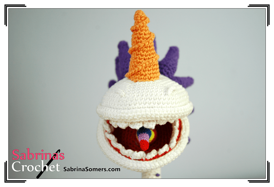 She Crocheted a Unicorn Chomper Amigurumi - WOW!