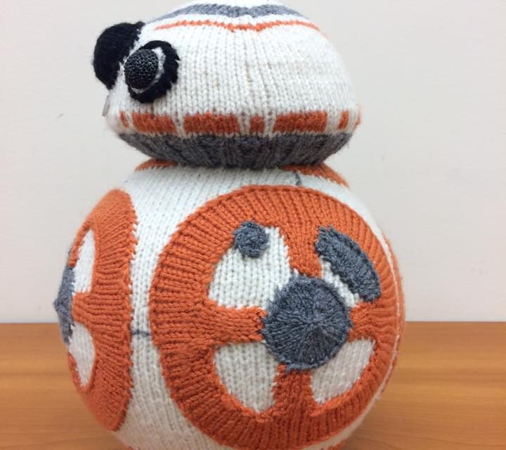 My Favorite Knitted BB-8 – Knit by K80K80K80 aka Katie Freeman