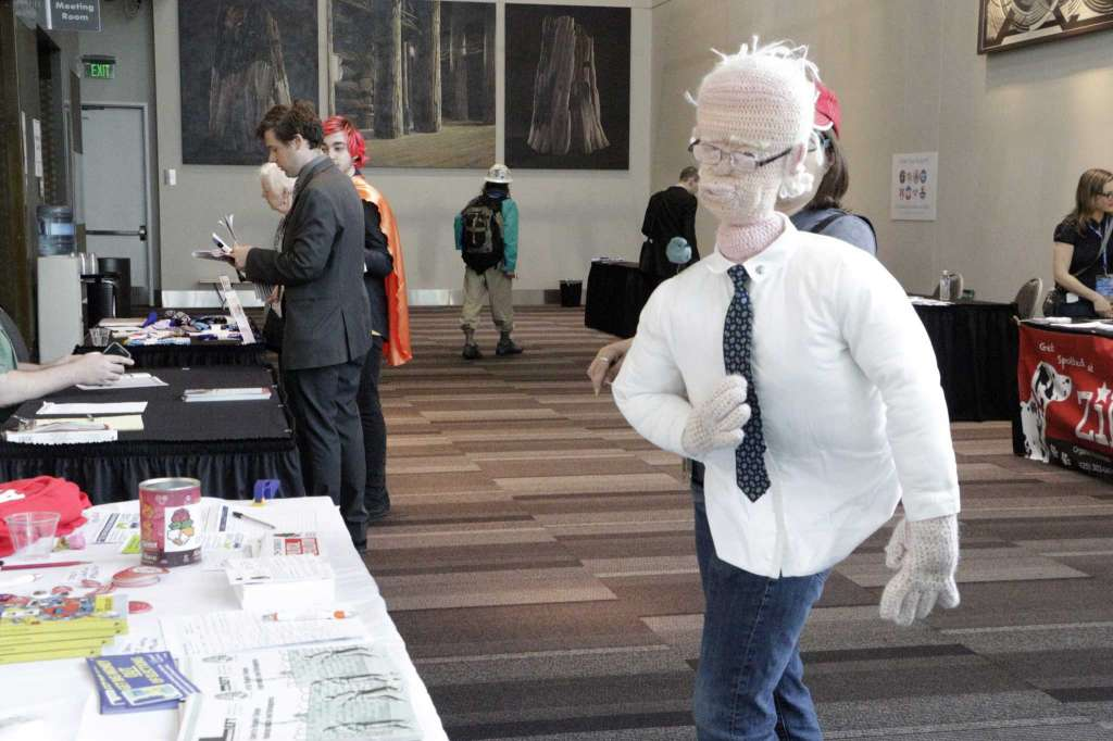 This is What Happens When You Crochet a Life Sized Bernie Sanders Puppet ...