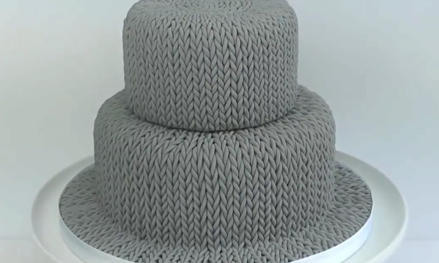 """Think You Can't Bake a """"Knitted Cake""""? Watch This Tutorial and Think Again!"""