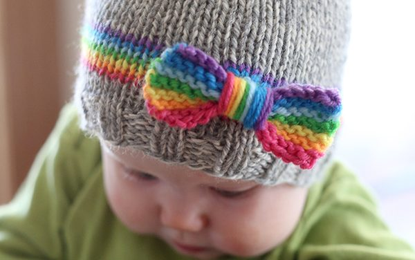 Free Pattern: Adorable Knit Rainbow Baby Hat – That Bow!