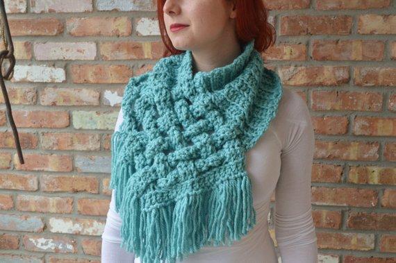 Get the crochet pattern from LoopTeeLoops