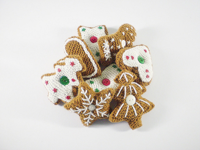 Knit a Fantastic Gingerbread House For the Holiday Season - Impressive!