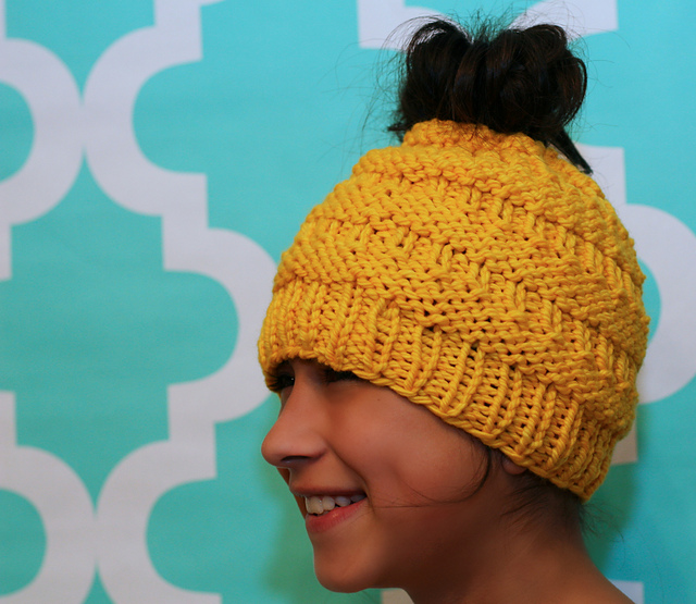 13 Unique Ponytail Hat Patterns These Knit Crochet Messy Bun