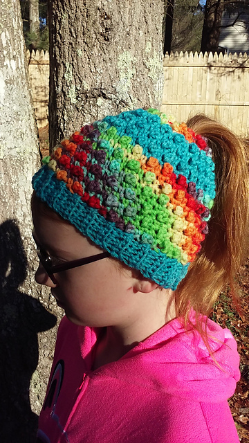 13 Unique Ponytail Hat Patterns - These Knit & Crochet Messy Bun Beanies Really Stand Out!