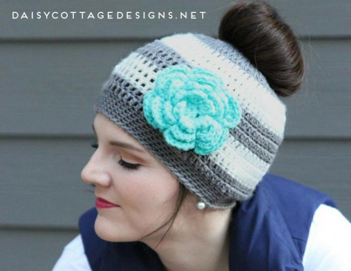 The Best Free Crochet Ponytail Hat Patterns (aka Messy Bun Beanies ...