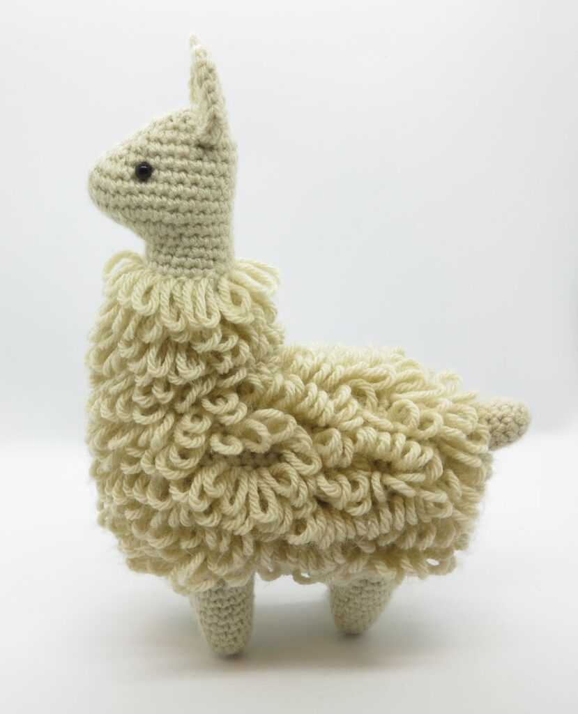 Finn's Pick: Charming Little Llama Amigurumi by Julie Chen ... Holiday Edition!