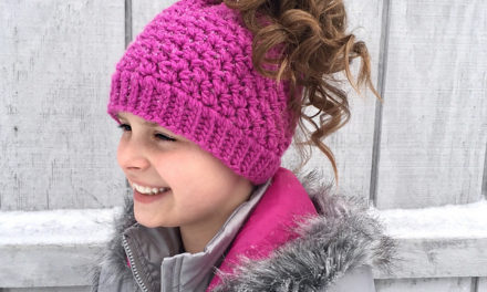 9 Popular Ponytail Hats and Messy Bun Beanies – a Roundup of Paid & Free Patterns in Knit & Crochet