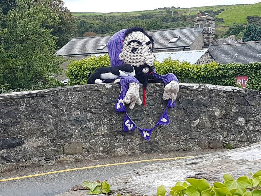 Meet Gwril, 'The Scary Bridge Troll' - Now That's How You Do a Yarn Bomb!