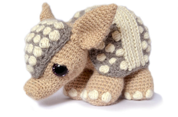 4 Knit and Crochet Armadillo Patterns – This Post is Dedicated to Matthew McConaughey, Willie Nelson and Oddballs Everywhere!