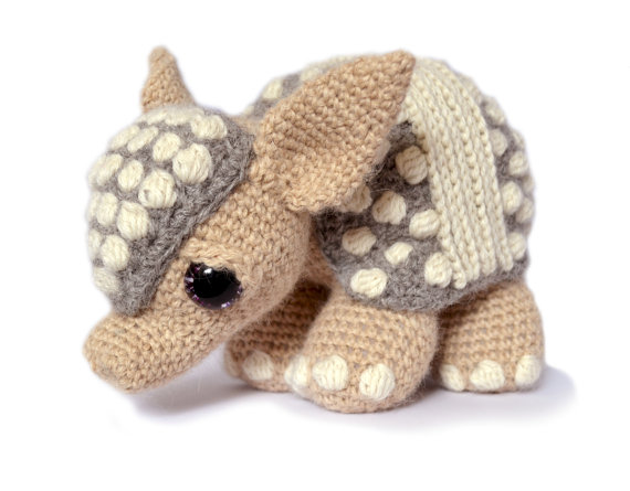 6 Knit and Crochet Armadillo Patterns! – This Post is Dedicated to Matthew McConaughey, Willie Nelson and Oddballs Everywhere!