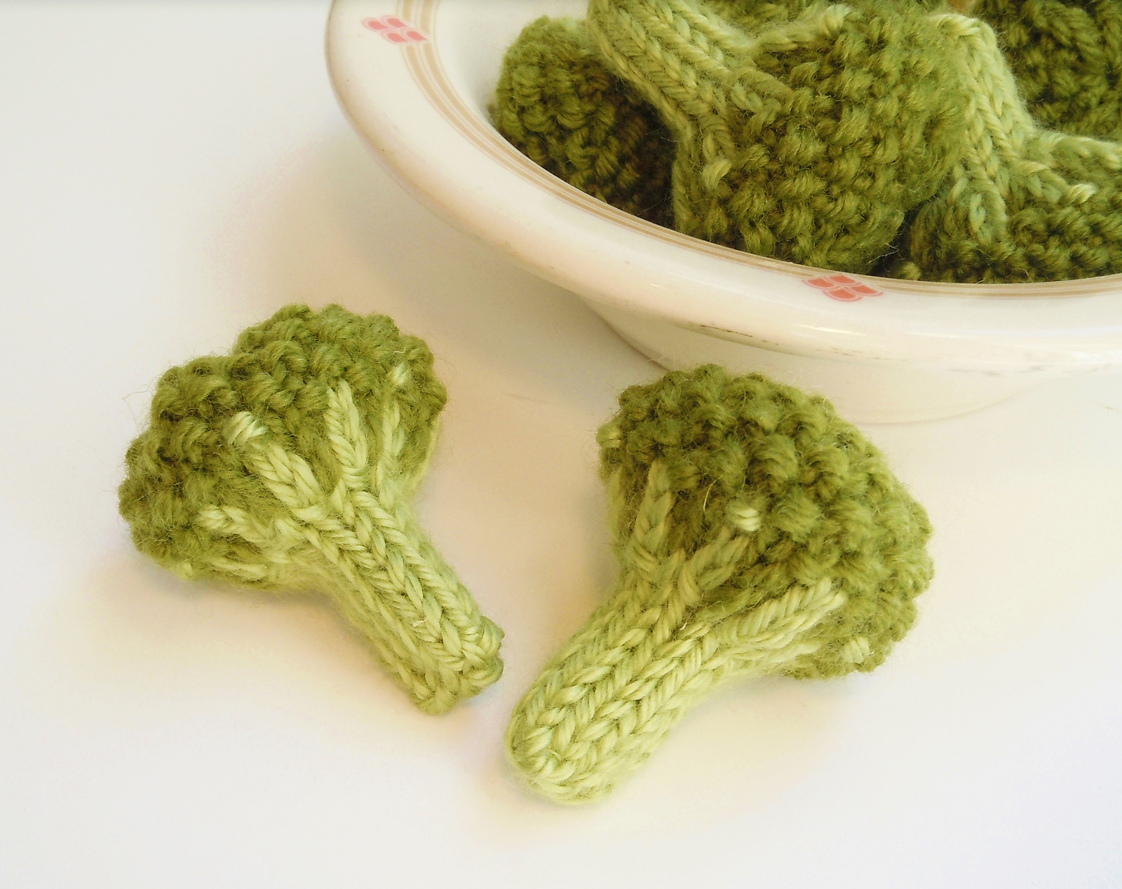 Knitted Steamed Broccoli Florets - Pattern Available!