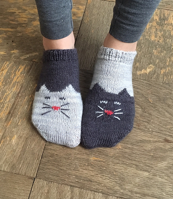 Ready for the Tao of Wool? Knit Yourself a Pair of YinYang Kitty Ankle Socks - FREE Pattern!