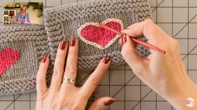 How To Use a Crocheted Surface Stitch To Draw on Your Knitting – Genius Idea From VeryPink Knits