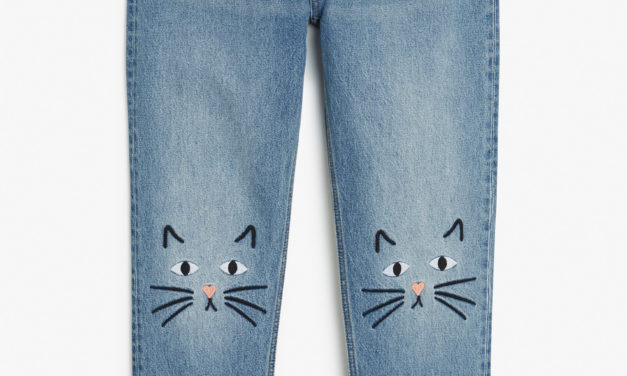DIY Alert – Embroider Your Jeans Knees With Cute Little Kitty-Cats For an Adorable Look!