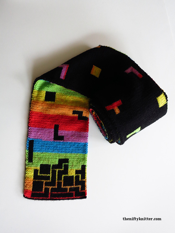 Blockalicious Double-Knit Tetris Prism Scarf - Pattern By The Nifty Knitter