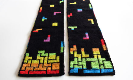 Blockalicious Double-Knit Tetris Prism Scarf – Pattern By The Nifty Knitter