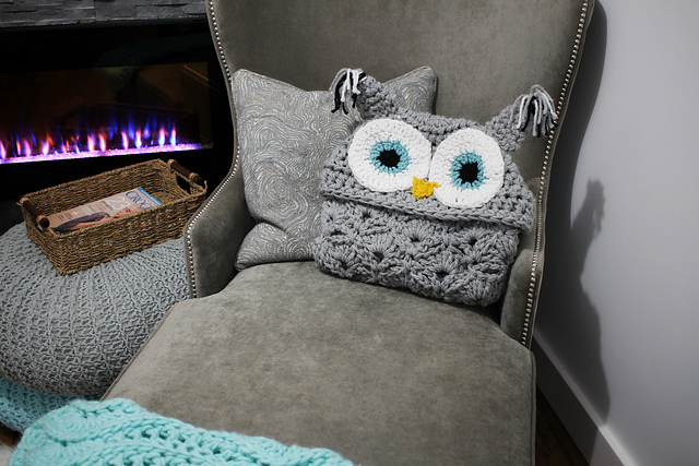 This Hooded Owl Blanket Is Super Cute Crochet Pattern Available