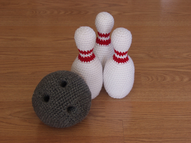 Crochet a Fun Bowling Set – Looks Great!
