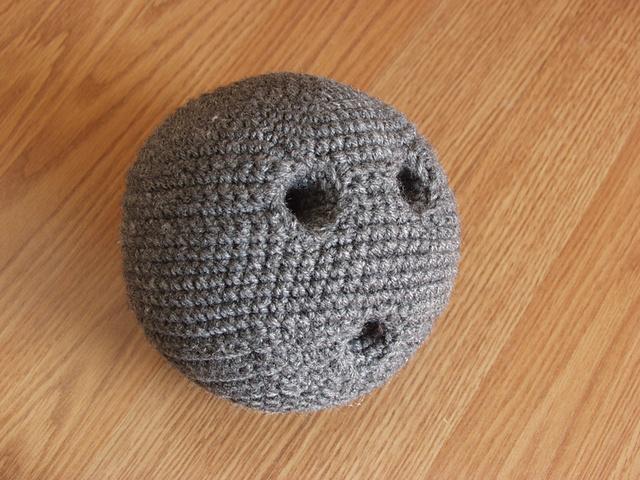 Pattern to Crochet a Fun Bowling Set