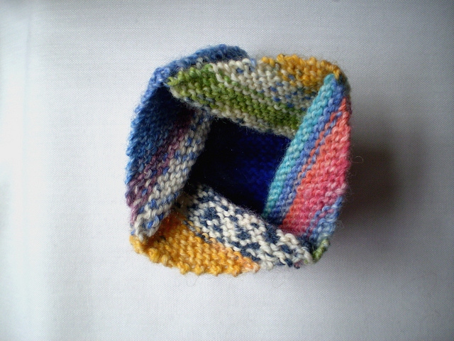 Knit An Origami Pinwheel Purse - FREE Pattern!