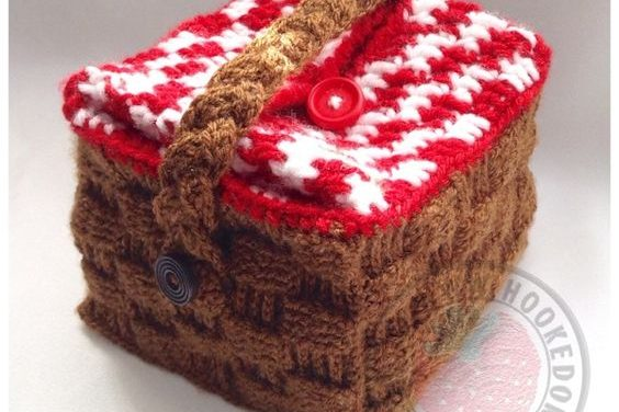 Crochet a Merry Picnic Basket Lunch Bag – The Perfect Gift For a Co-Worker!