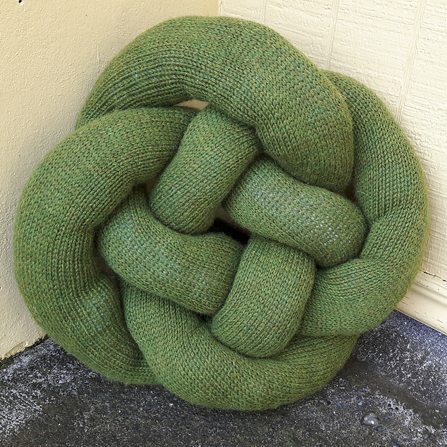Who's Ready to Knit a Knot Pillow? FREE Pattern!