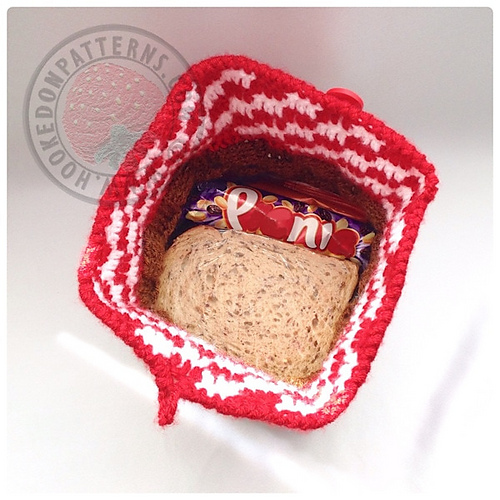 Crochet a Merry Picnic Basket Lunch Bag - The Perfect Gift For a Co-Worker!