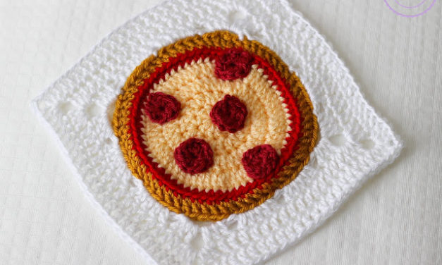 Crochet a Playful Pizza-Themed Granny Square – Calorie Free!