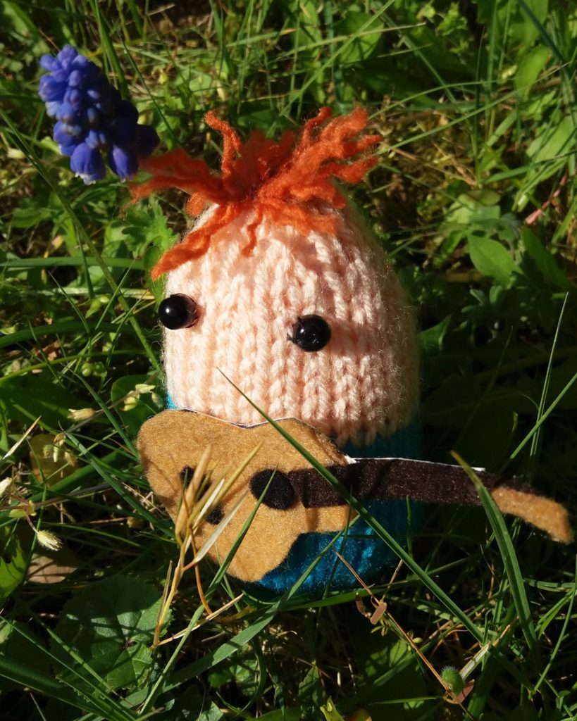 Knitted 'Egg' Sheeran Amigurumi Made By Kwerky Knits - So Kooky!