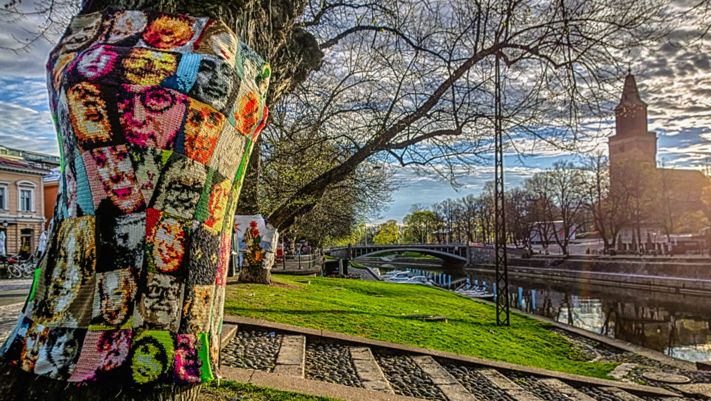 Crochet Portraits - Striking Yarn Bomb Spotted in Turku, Finland For Finland100