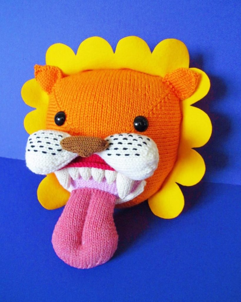 Charlie Blackman Knit a Flower Power Pussy Cat!