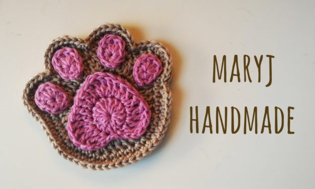 Crochet This Adorable Paw Print Appliqué With a Helpful Tutorial From Mary J Handmade – FREE!