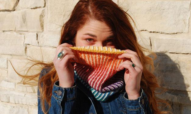 Rainbow Gradient Chromatic Cowl – I'm So Knitting This!