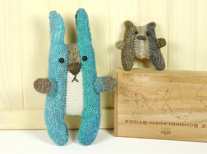 Meet Horst the Rabbit, a Precious German-Style Stuffed Animal Who Knits Up FAST!